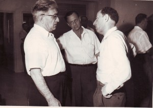 דוד וודובינסקי (משמאל) וחיים לזר (מימין)